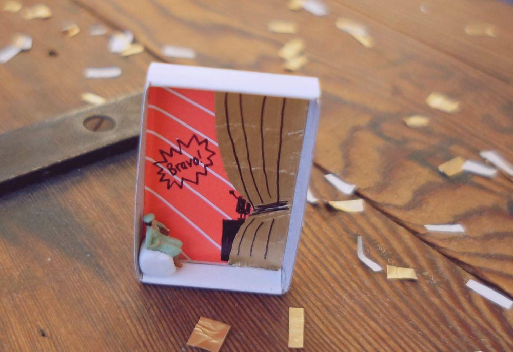 gutschein geschenk in der streichholzschachtel coupon voucher present in a little box of. Black Bedroom Furniture Sets. Home Design Ideas