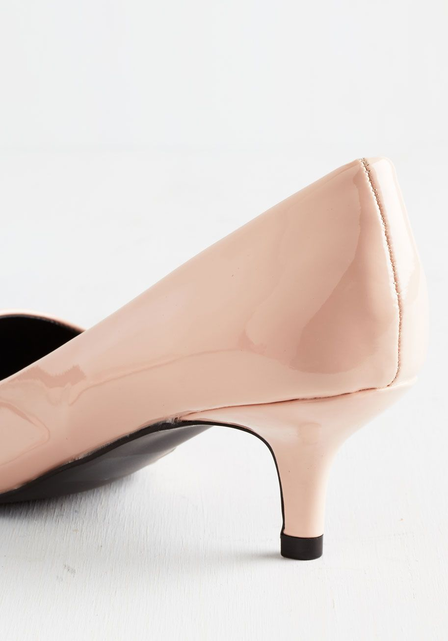 Exude Elegance Heel In Petal Mod Retro Vintage Heels Modcloth Com Pink Kitten Heels Women Shoes Vintage Heels
