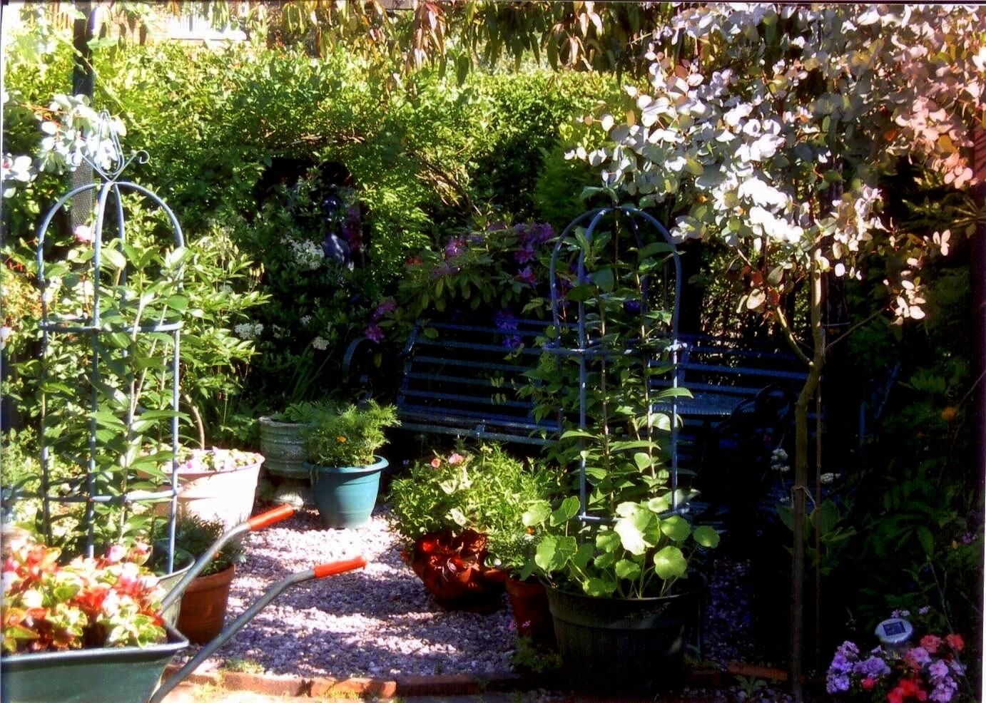 Unable to process request at this time  error 999 All Fans of the natural garden beware Today we will explain how you can create a cozy Cottage garden by following some r...