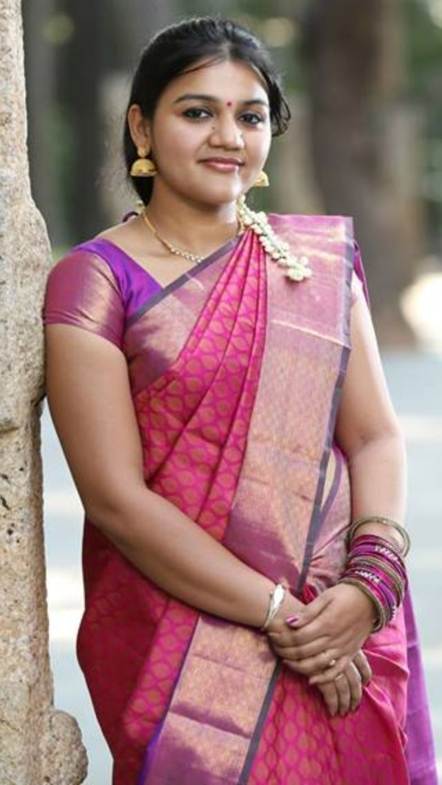 Pin by Meetinsta on Indian Aunties | Satin saree, Saree