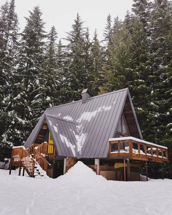 A Delightful Winter Scene A Log Cabin In The Snow A Frame House Cabins And Cottages Cabin Design