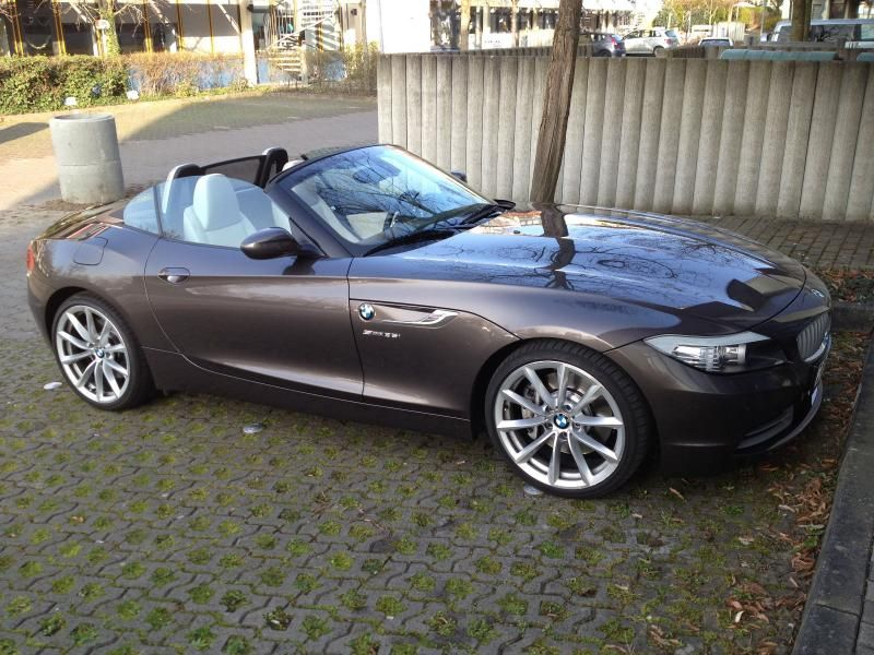bmw z4 sdrive35i automatik gebrauchtwagen germany cars. Black Bedroom Furniture Sets. Home Design Ideas