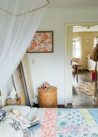 Bec   house is  vintage mix of and surf vibes it painted blush pink there an olive green volkswagen in the driveway surfboards lean by also tour boho maximalism western australia homely rh uk pinterest