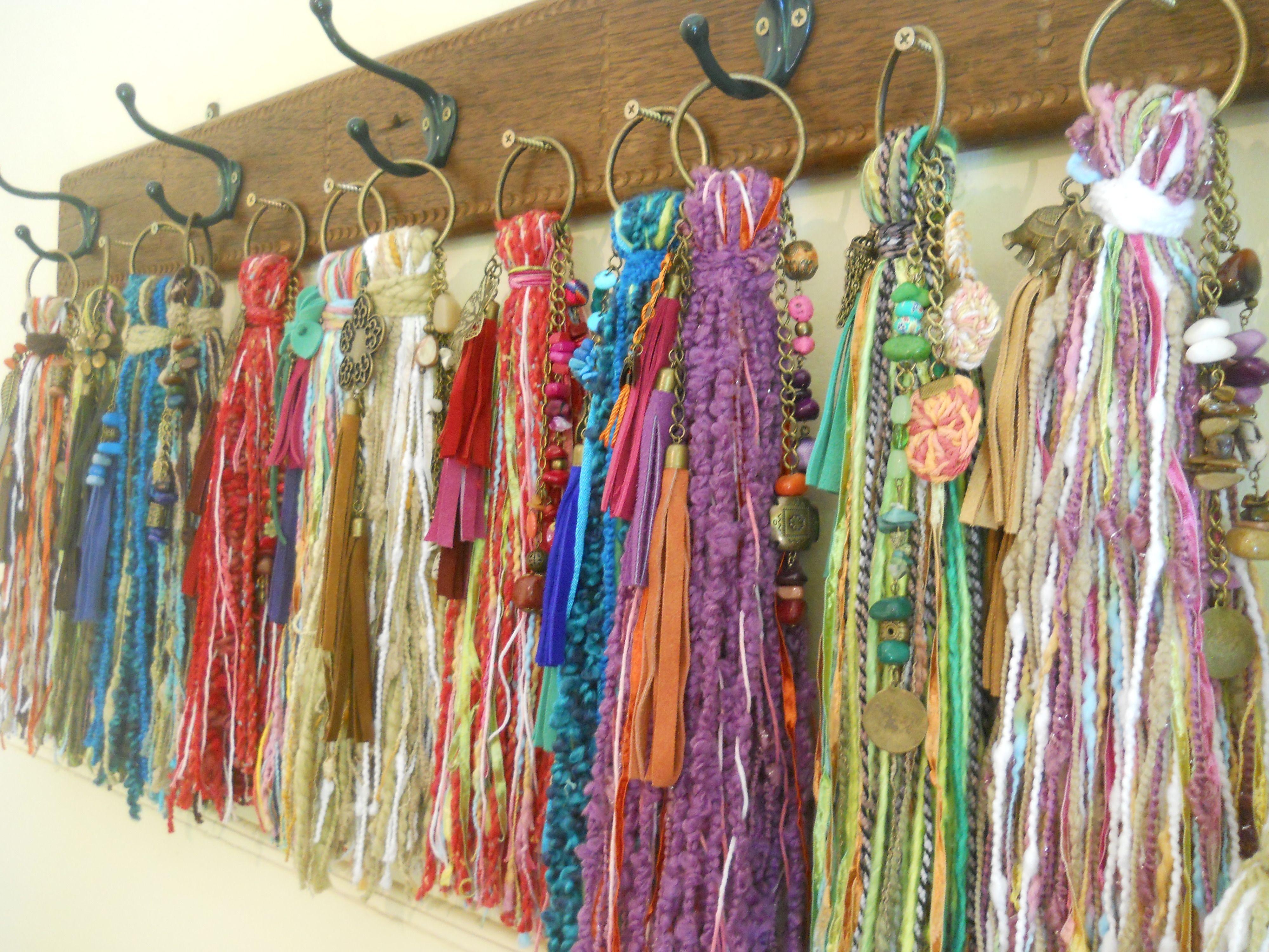 Borlas decorativas para puertas o cortinas realizadas de for Adornos colgar pared