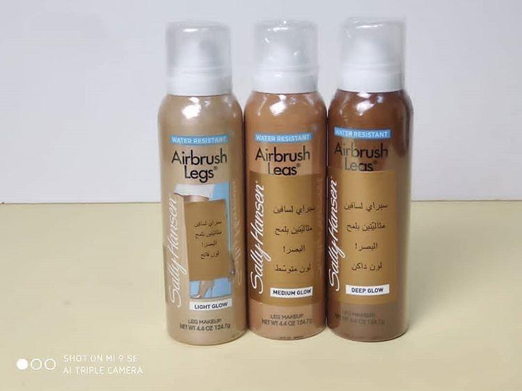 بخاخ الساقين لجسم متناسق ولون موحد وجعله افتح بدرجات رائعة فهو بخاخ الجيم الذي يخفي عيوب الساقين والجسم واليدين ويجعلهم بل Shampoo Bottle Shampoo Personal Care