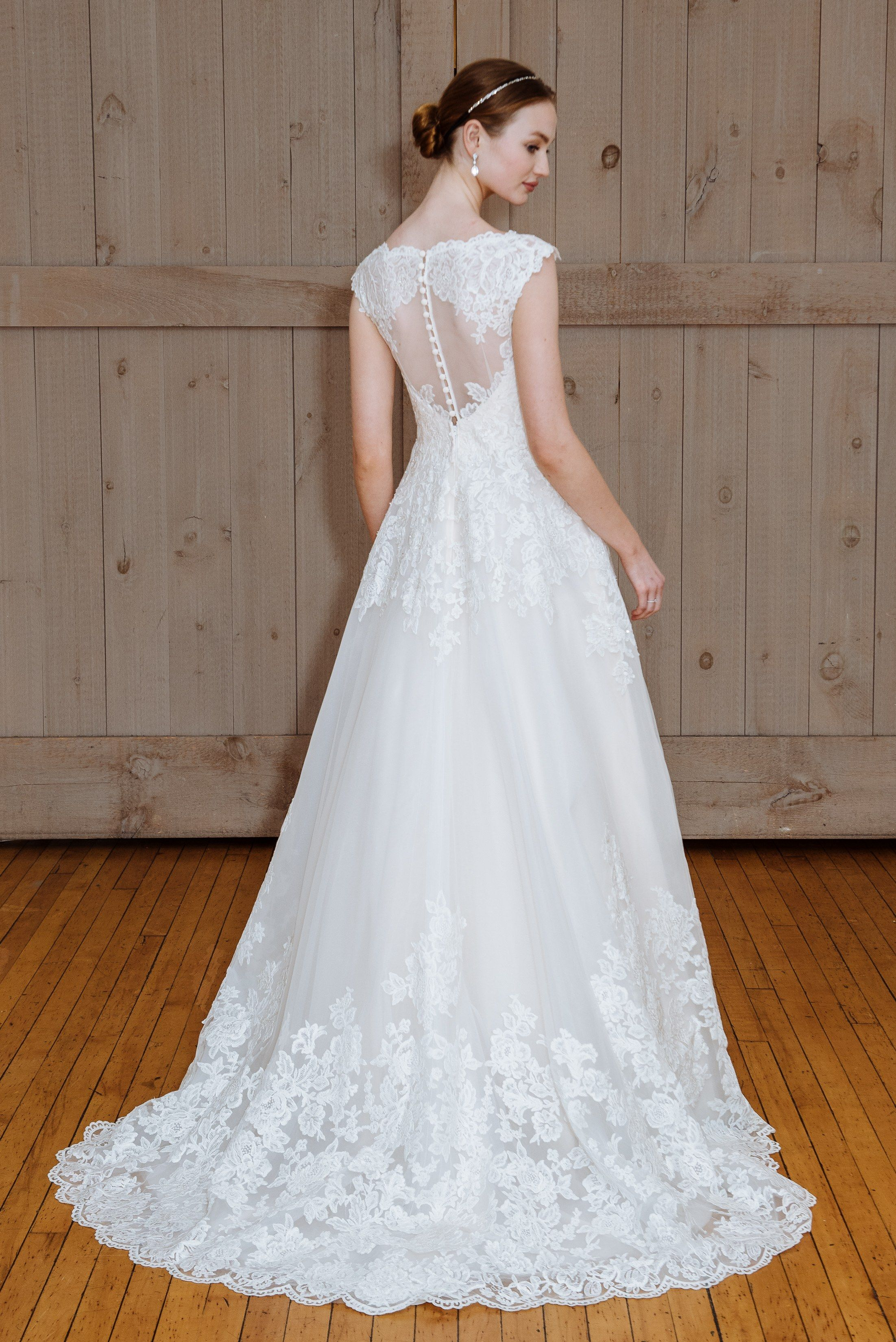 Cheap casual wedding dresses  Classic Wedding Dresses You Wonut Hate  Years From Now  Brides