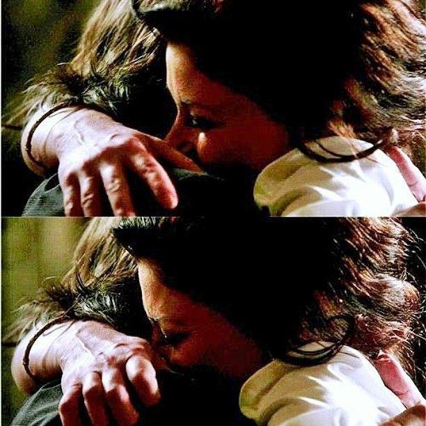 This hug...  #rumbelle#rumple#rumplestiltskin#mrandmrsgold#mrsgold#mrgold#bellegold#ouat#onceuponatime