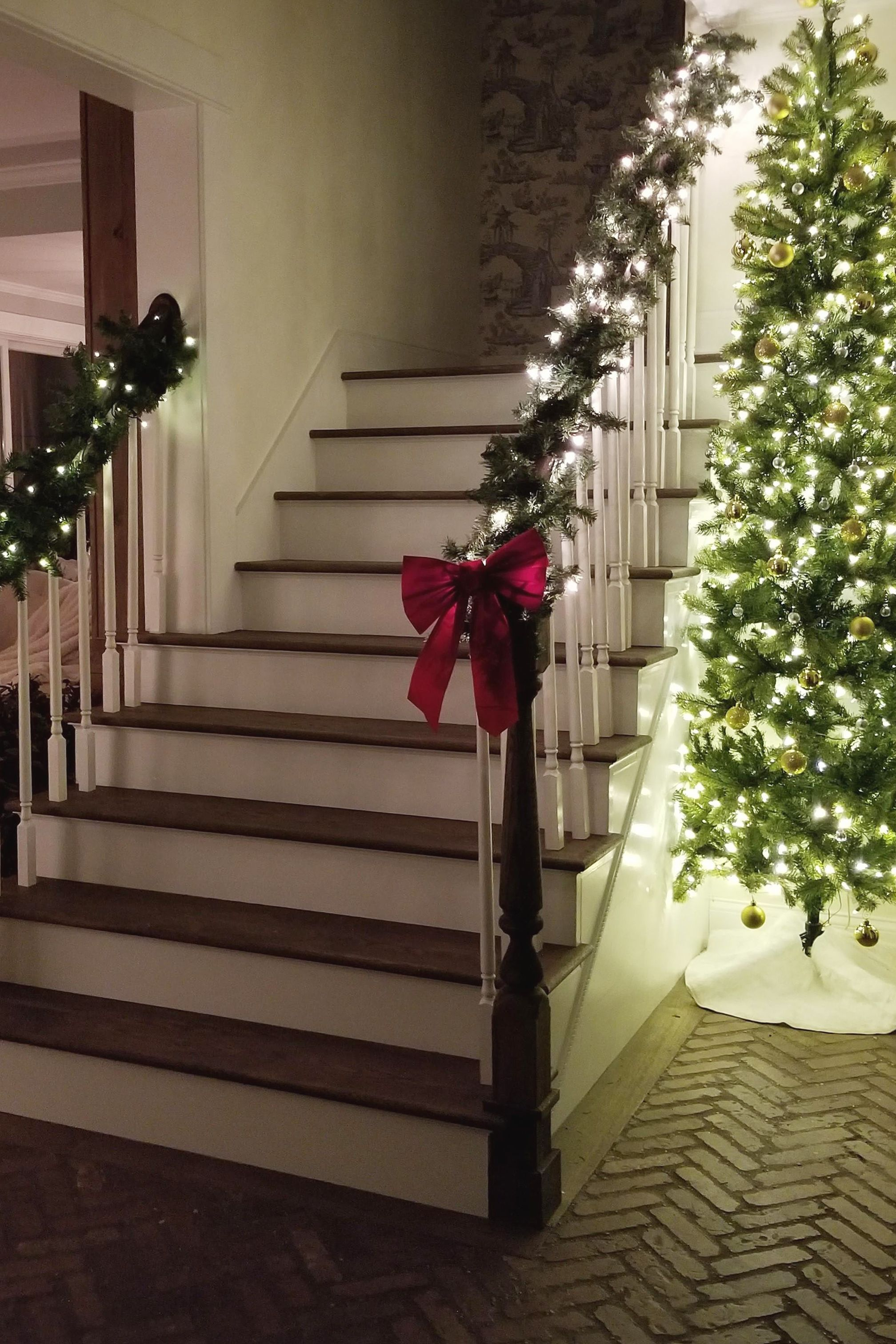 Best White Oak Stair Tread Oak Stairs Wood Stair Treads Stairs 400 x 300