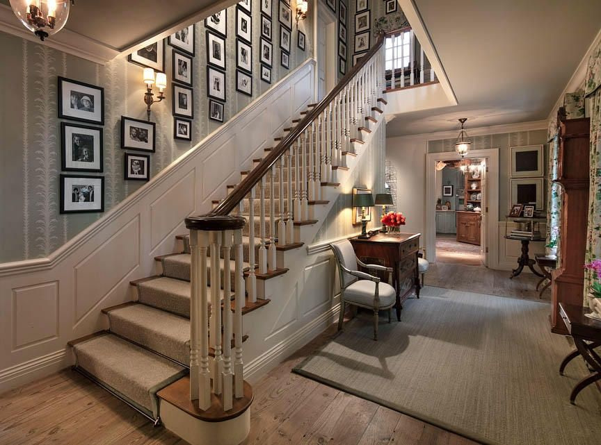 Traditional Staircase with High ceiling, interior