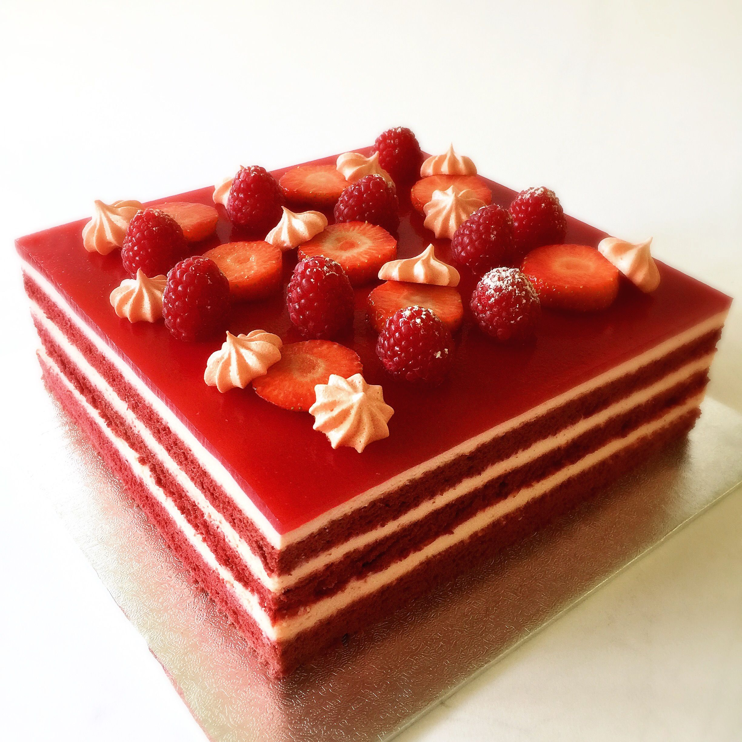 Red Velvet Sponge Cake Layered With Chocolate Mousse And Raspberry Jelly Decorated With Berries And Strawberry Meringue Kisse Mousse Cake Recipe Cake Red Cake