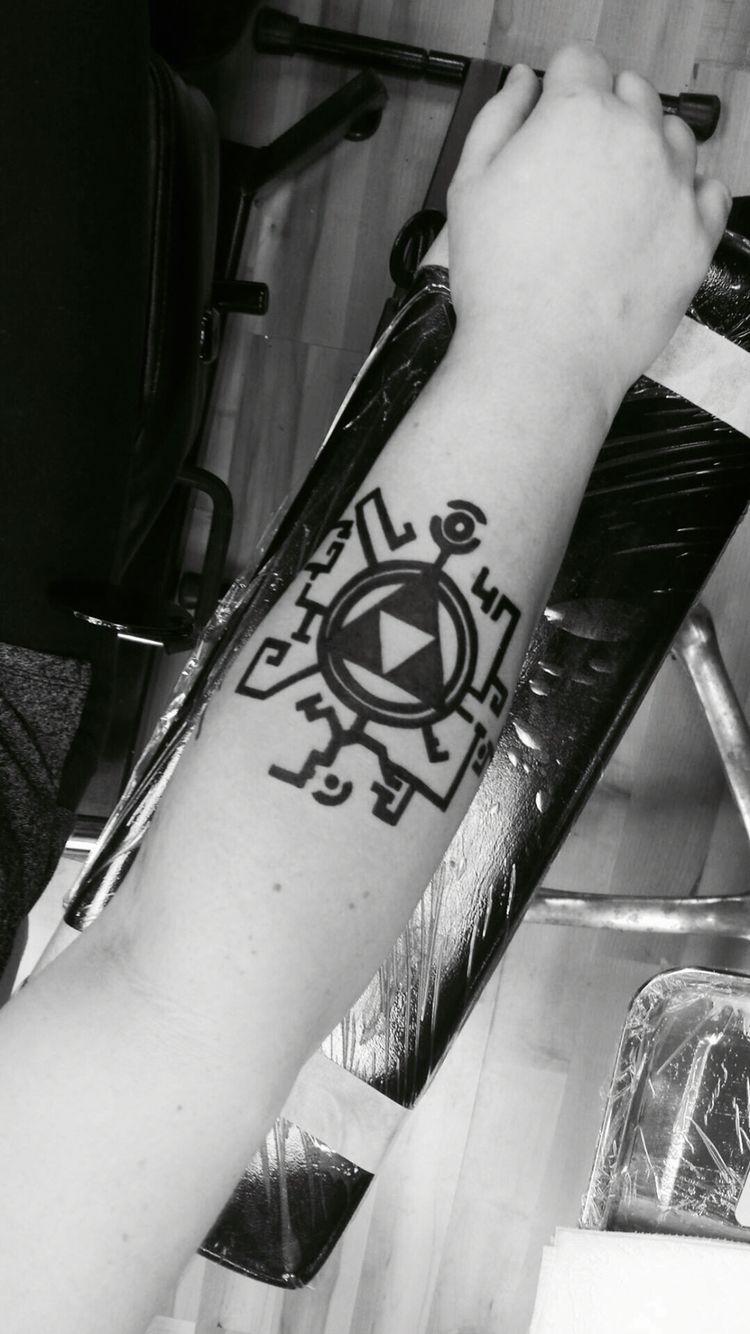 The Legend Of Zelda Twilight Princess Tattoo Zelda Tattoo Legend Of Zelda Tattoos Gaming Tattoo