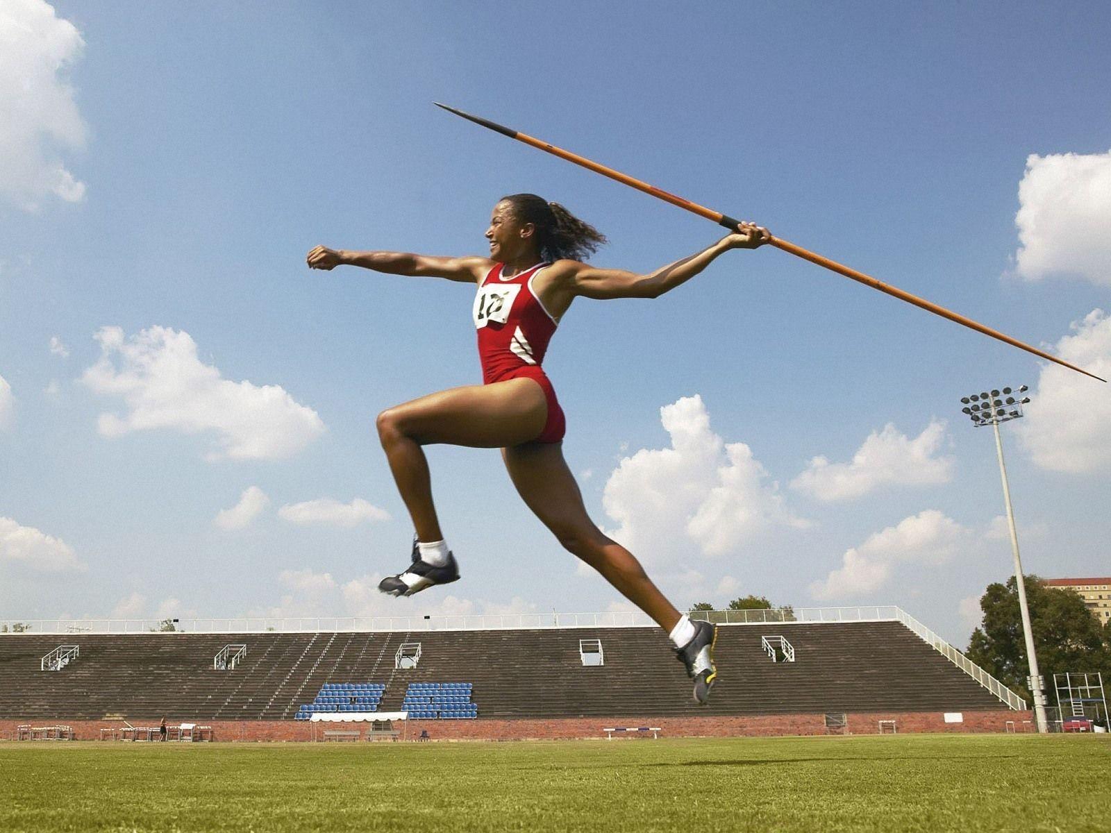Girls Javelin Women Javelin Throw 1600x1200 Wallpapers 1600x1200 Wallpapers Javelin Throw Track And Field Javelin