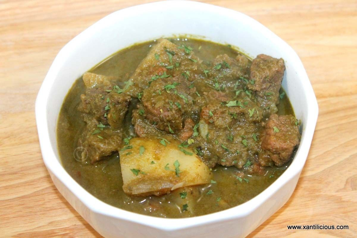 Green Beef Curry With Potatoes Recipe Recipes Goan Recipes Beef Curry