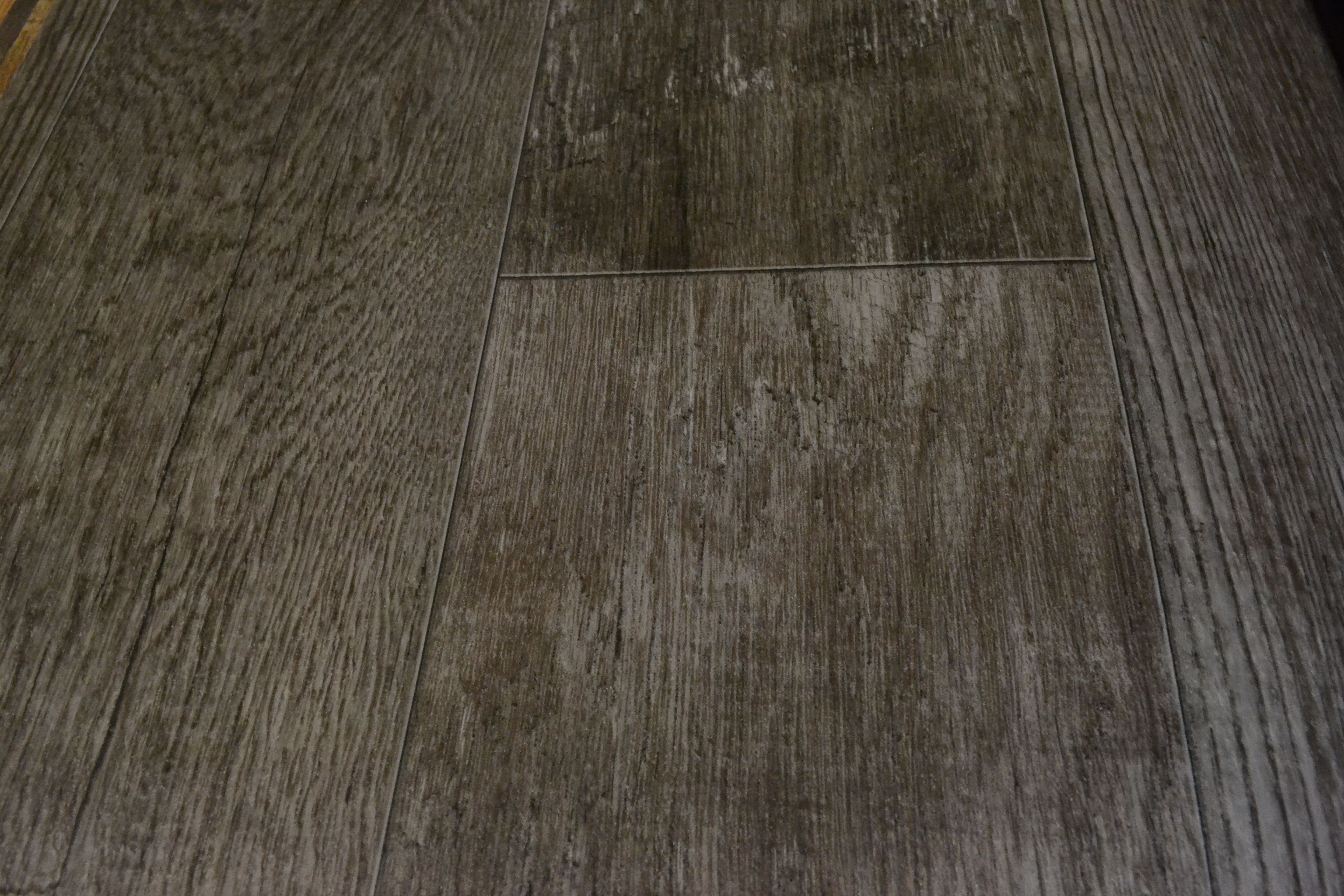 gloss vinyl plank best floors cherry ft mulholland wood low sheet finish fresh shop carbon w floating flooring vision moduleo luxury stainmaster of