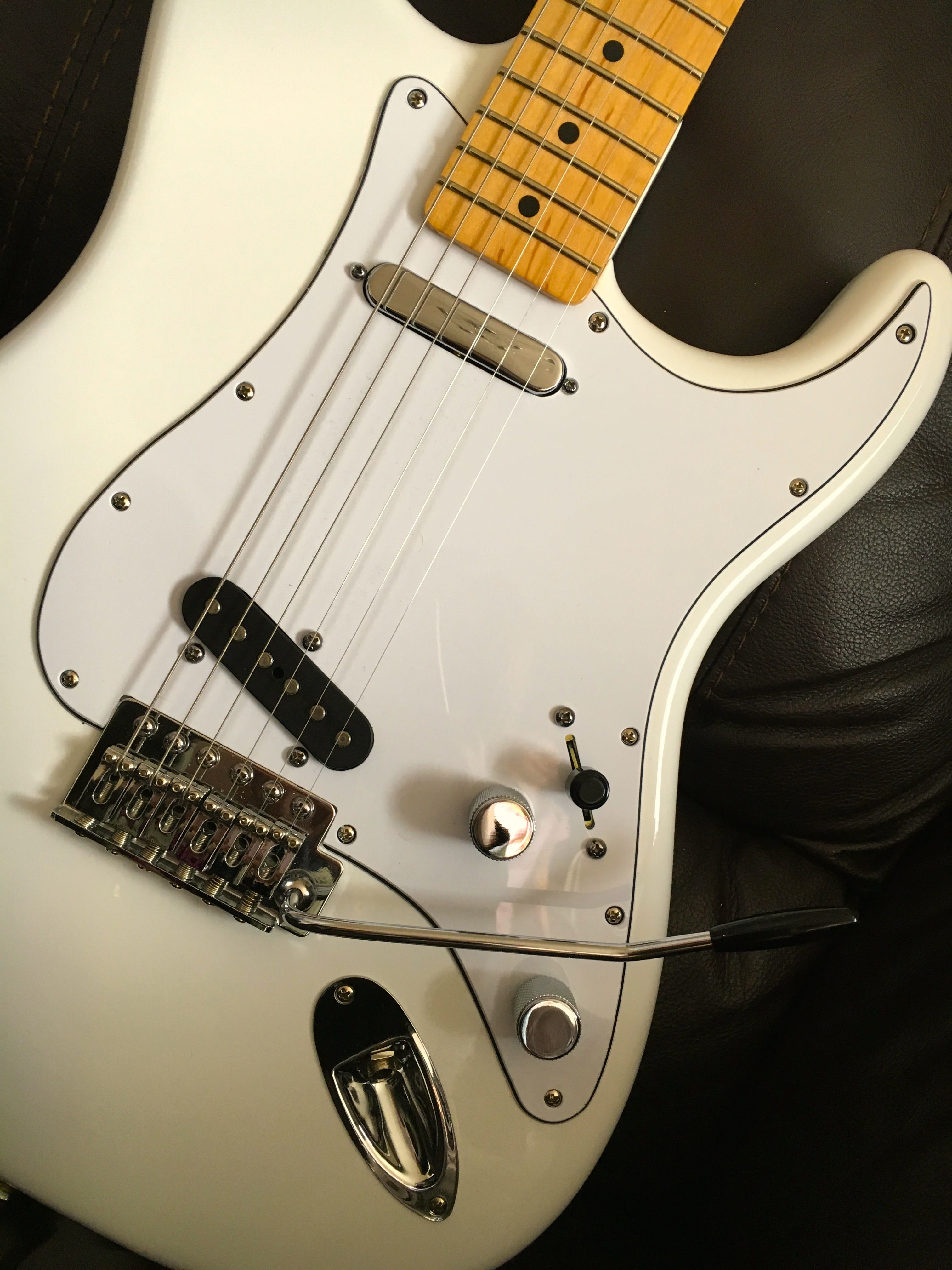 Strat/Tele hybrid! What do you reckon? I did wonder what this ...
