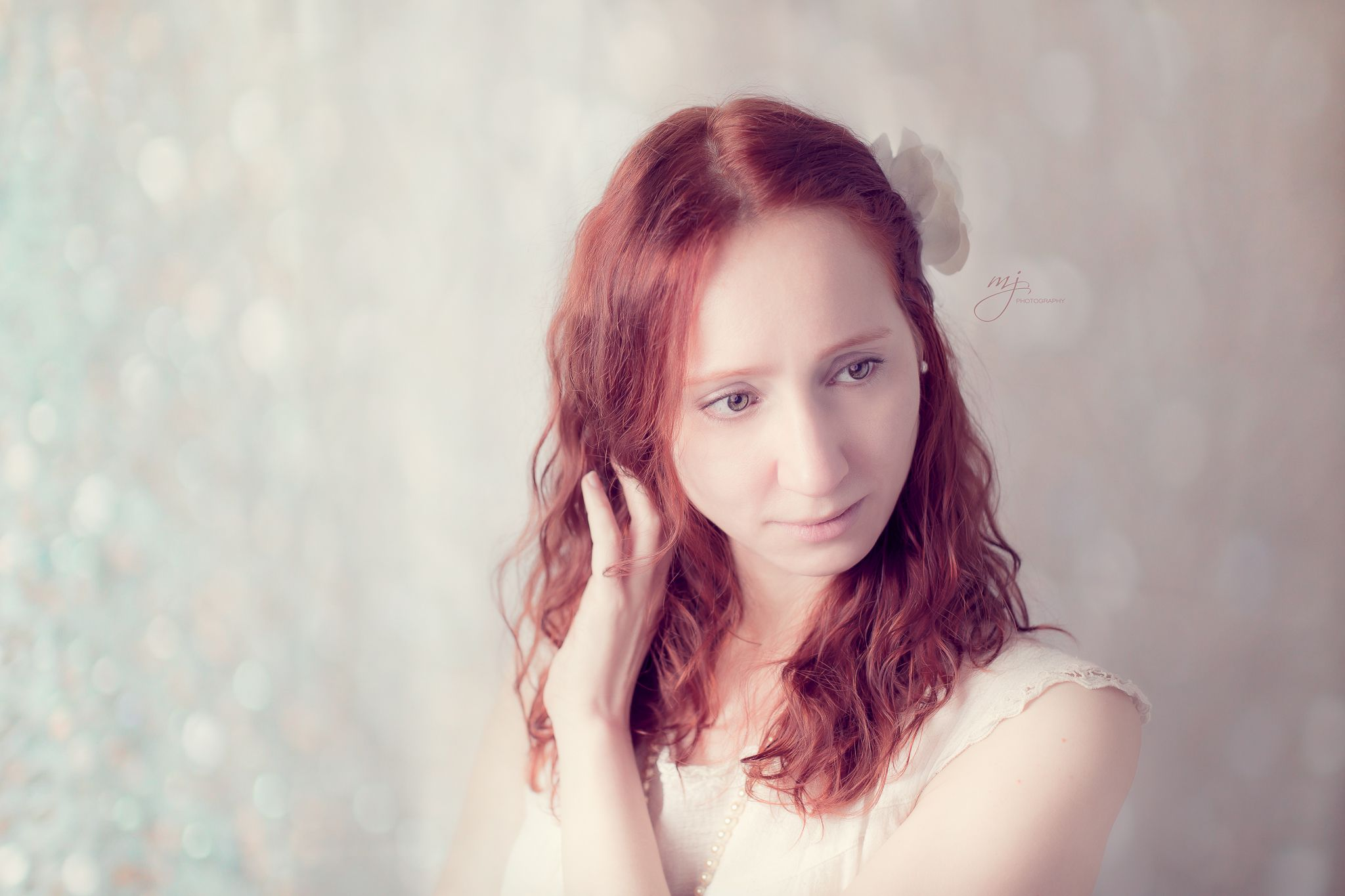 Gorgeous Redhead. Can't explain it, but I'm totally drawn to the beauty of red-haired women. They are just magical and have an enchanted, otherworldly aura.