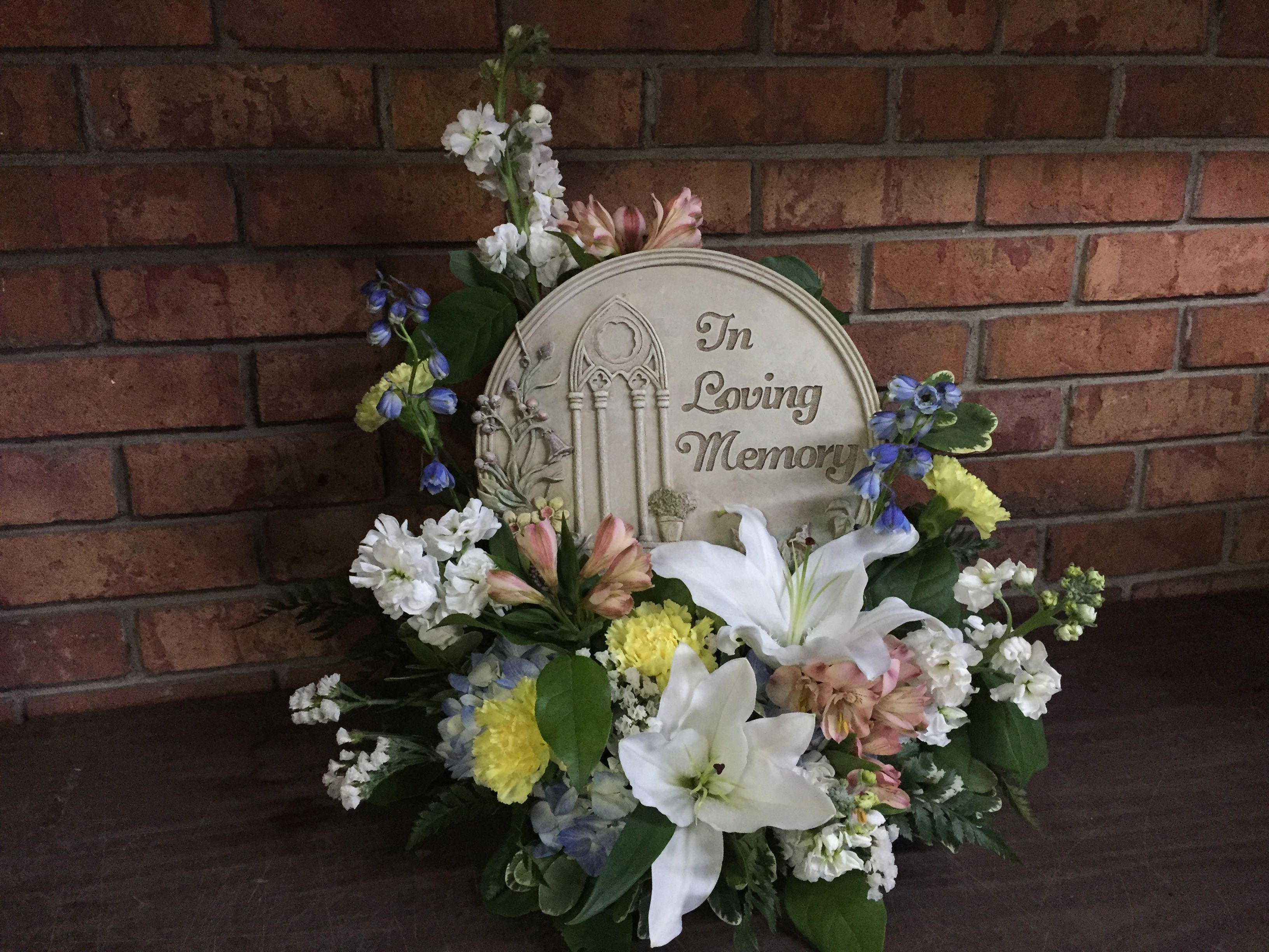 Flowers by jackson florist covington ky sympathy funeral plaque order flowers online with same day delivery from jackson florist inc fresh flowers and hand delivered right to your door in covington and surrounding izmirmasajfo Choice Image