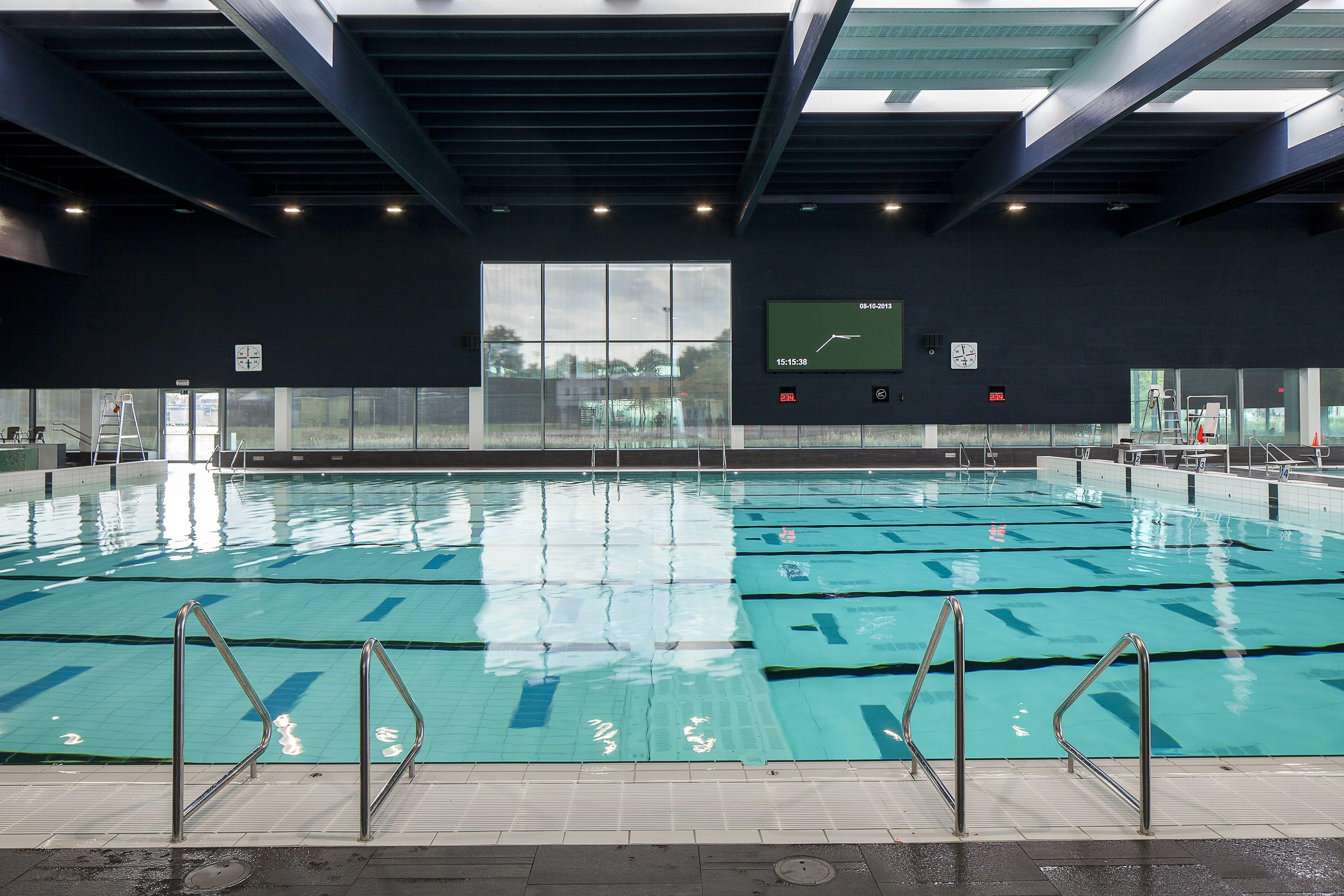 "Sport & Recreation Centre ""De Nekker"" - architect VenhoevenCS architecture+urbanism / BURO II & ARCHI+I - Helioscreen - solar shading - Serg"