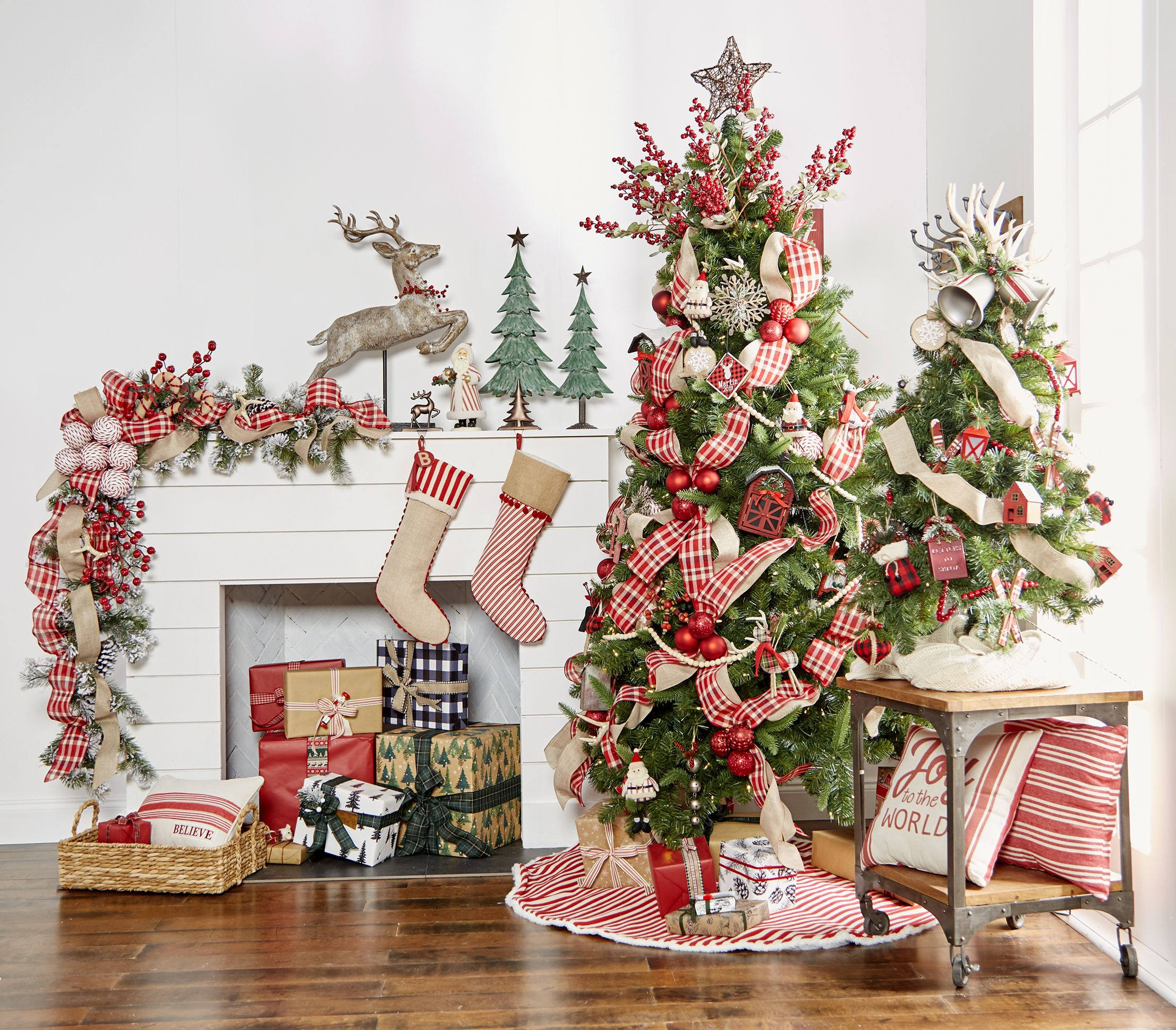 Creating Holiday Magic With Michaels The Pickled Rose Christmas Tree Inspiration Holiday Christmas Tree Michaels Christmas Trees
