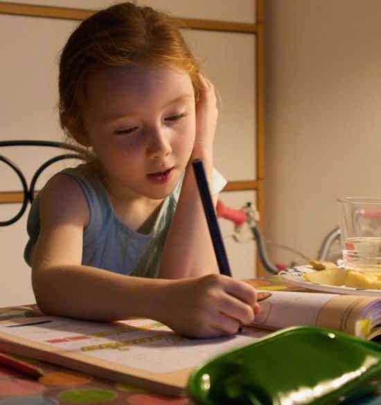 La réussite scolaire fait partie des objectifs à atteindre, mais y a-t-il des conditions nécessaires pour cela ? Des comportements à suivre ? D'autres à éviter ?  Découvrez l'astuce ici : http://www.comment-economiser.fr/conseils-instit-aider-enfant-reussir-ecole.html?utm_content=buffer4a48c&utm_medium=social&utm_source=pinterest.com&utm_campaign=buffer