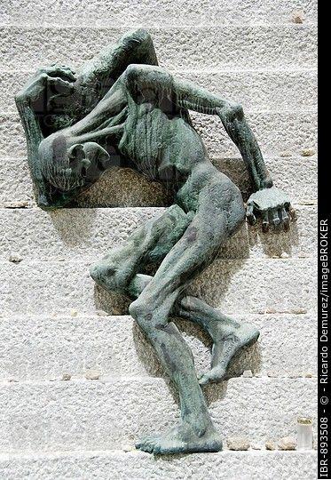 Sculpture, Mauthausen concentration camp memorial ...