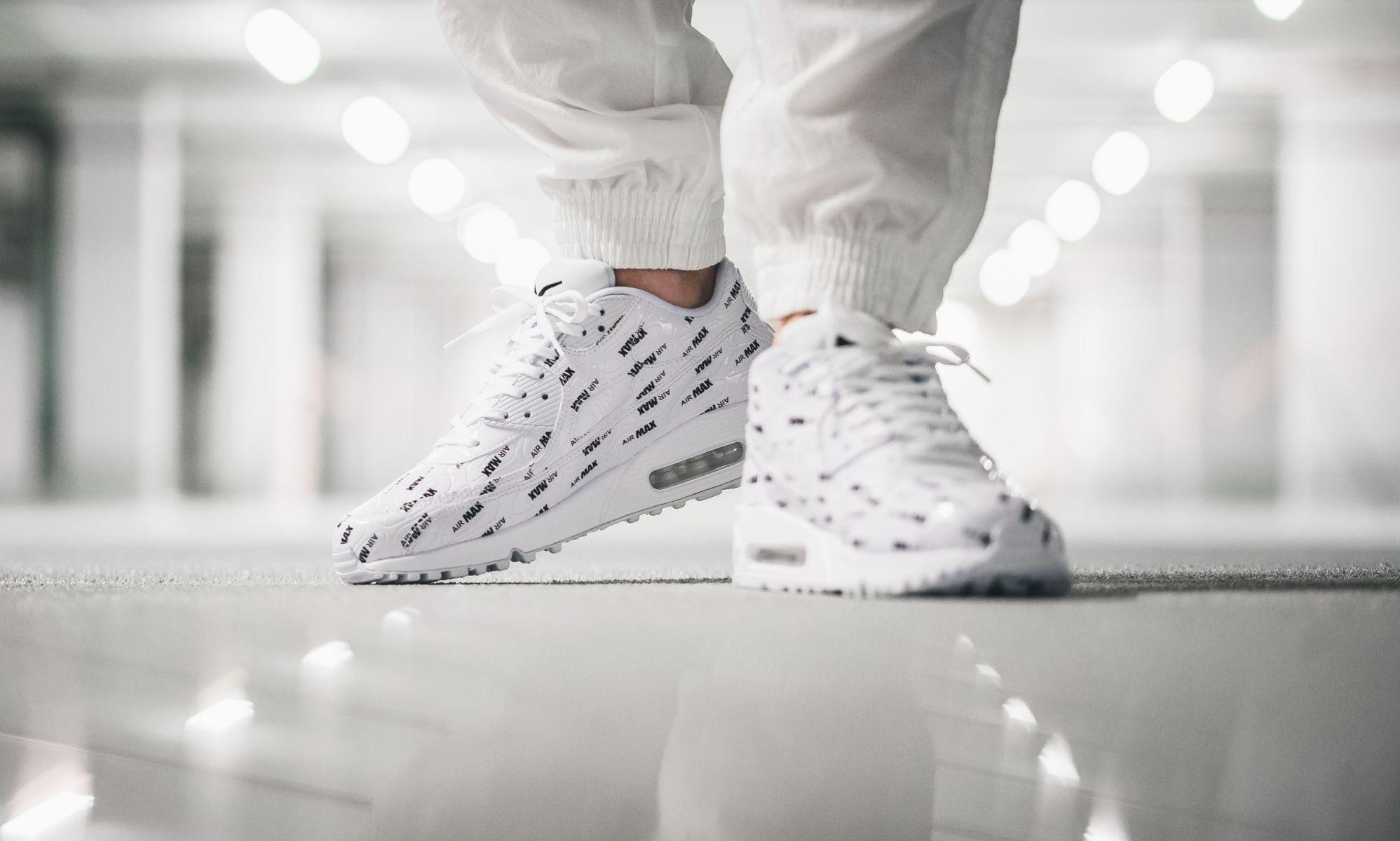Ghim của darla cypress trên Fly Sneakers