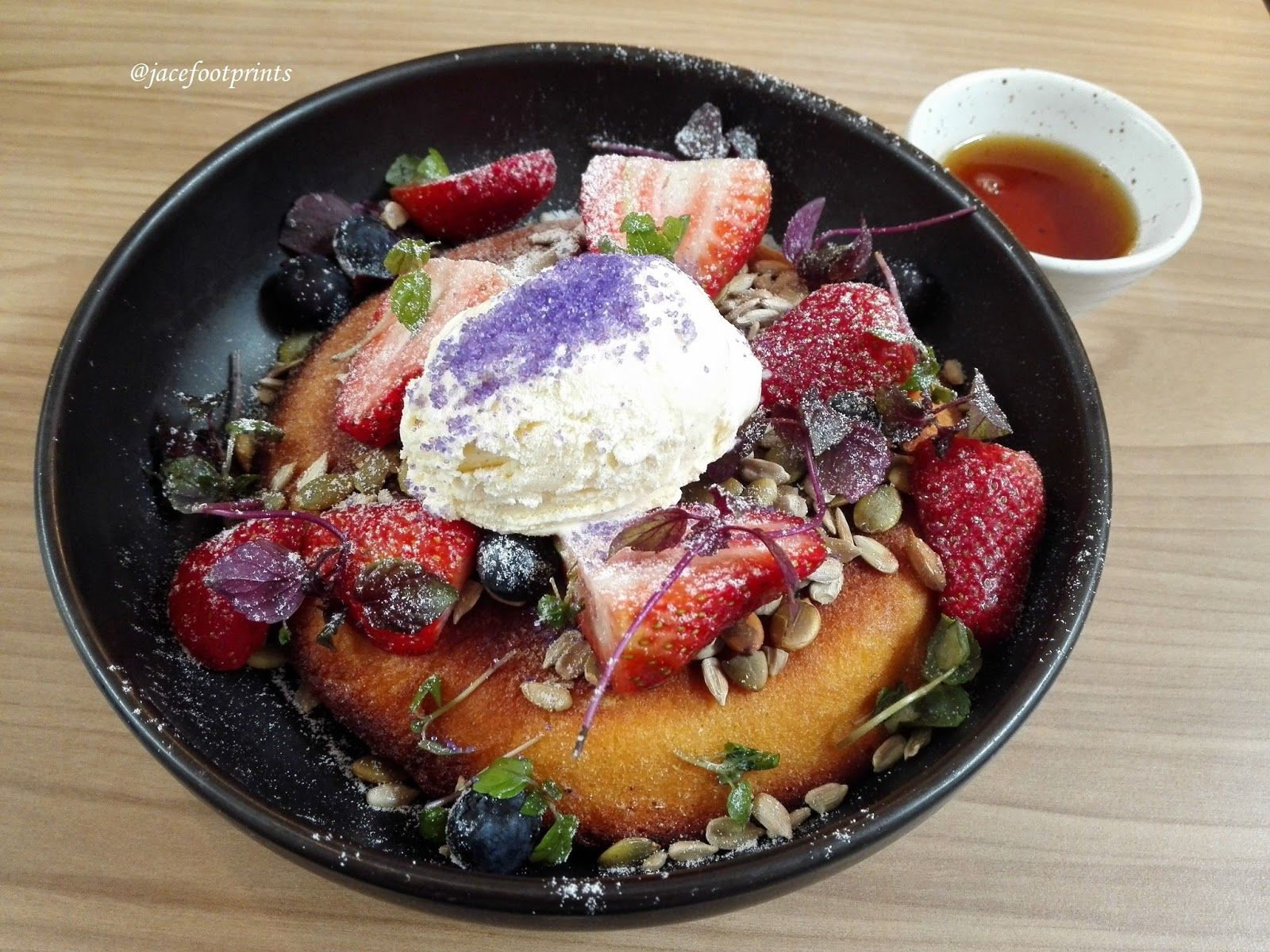 Just Another Delicious Experience Around The World Singapore Curious Palette Pretty Berry Ricotta Hotcake In Prinsep Street Delicious Food Berries