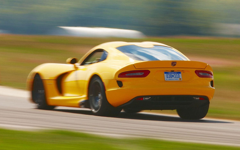2013 Srt Viper First Drive Motor Trend In 2020 Chrysler Cars Srt Pontiac Gto