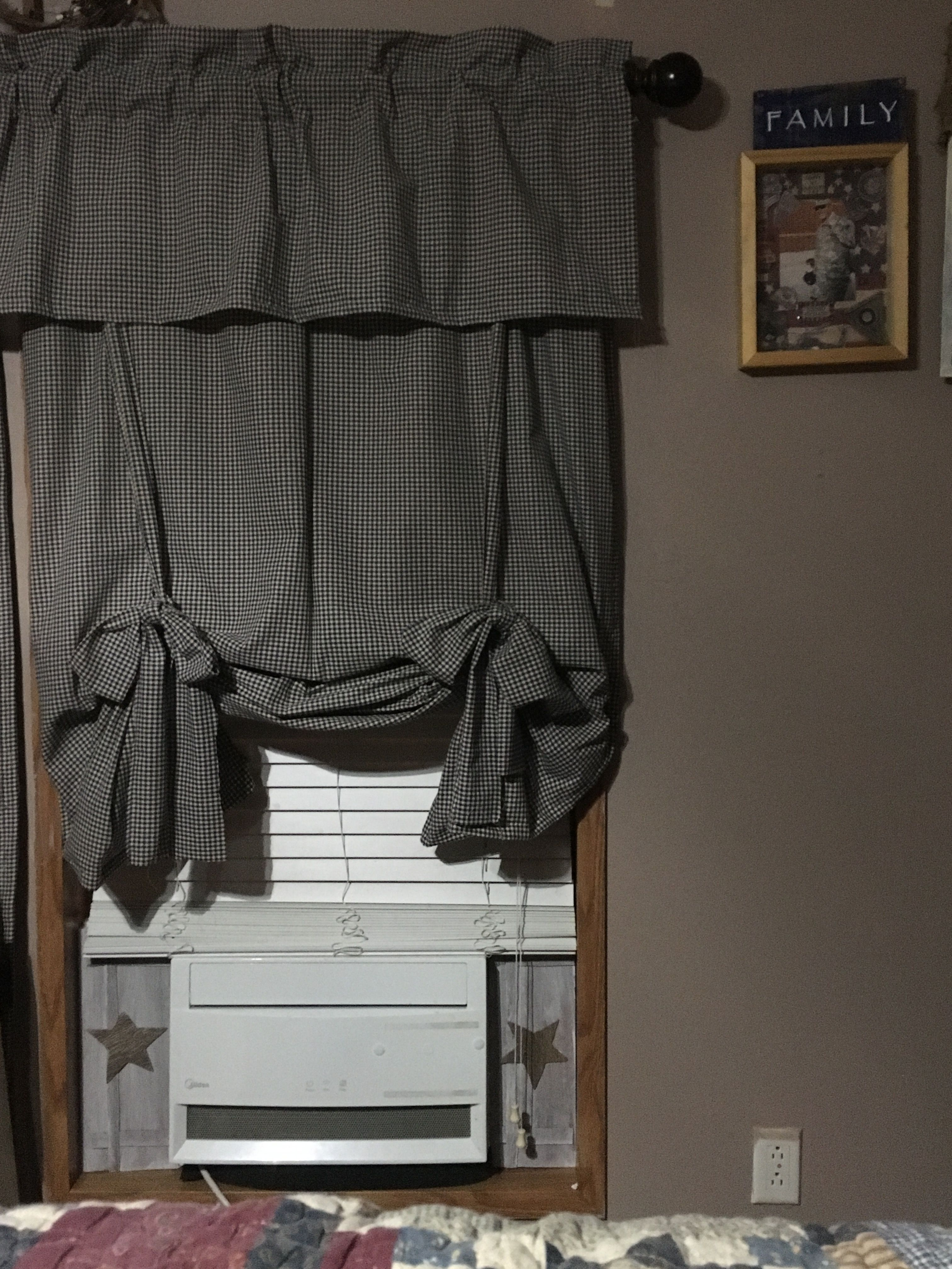 Diy Primitive Curtains Made From Homespun And Diy Faux Shutters To Help Take Ugliest Away Primitive Curtains Primitive Decorating Country Primitive Decorating