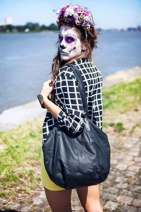 Halloween inspiration - Sugar Skull Look using Kryolan ...