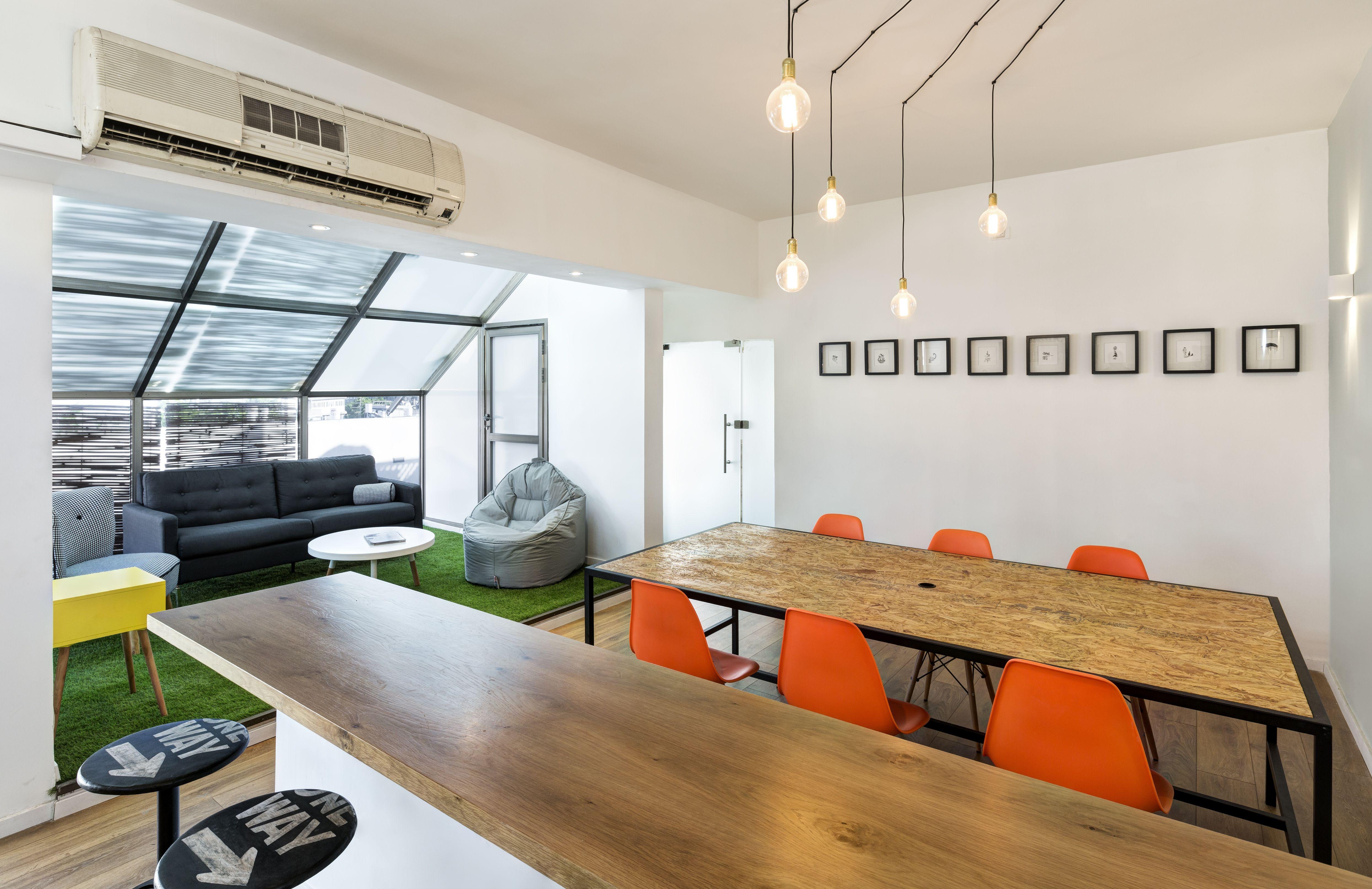 modern office design in Tlv/meeting room/ designed by Avital Taran ...