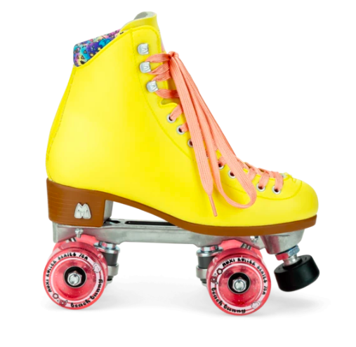 Moxi Beach Bunny Skates Strawberry Lemonade In 2020 Roller Skates Beach Bunny Roller Skating