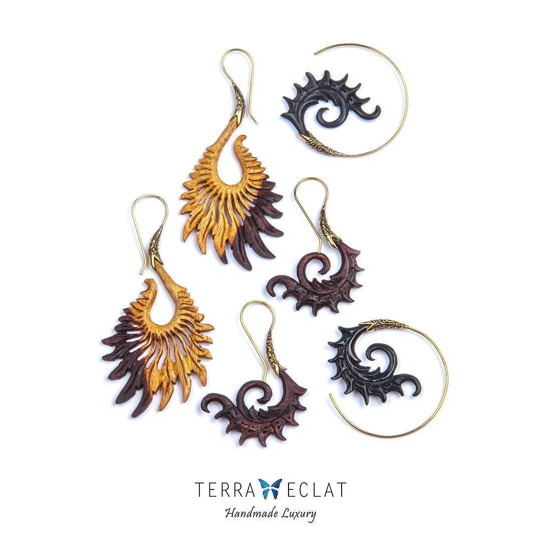 Hand Carved Natural Wood Trible And Edgy Be Free حلق محفر يدويا من الخشب قطع مميزة نادرة ز كوني مميزة Th Real Butterfly Wings Unique Gemstones Butterfly Wings