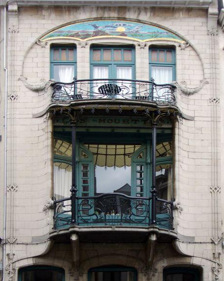 Antwerpen Berchem art nouveau dolphin window (photo lindacolsh)