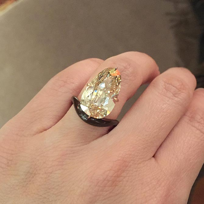 Scarlett Johansson's Engagement Ring Is EPIC in 2020