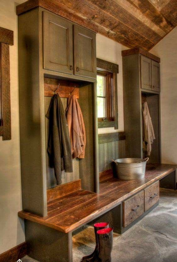 Awesome Country Mudroom Ideas