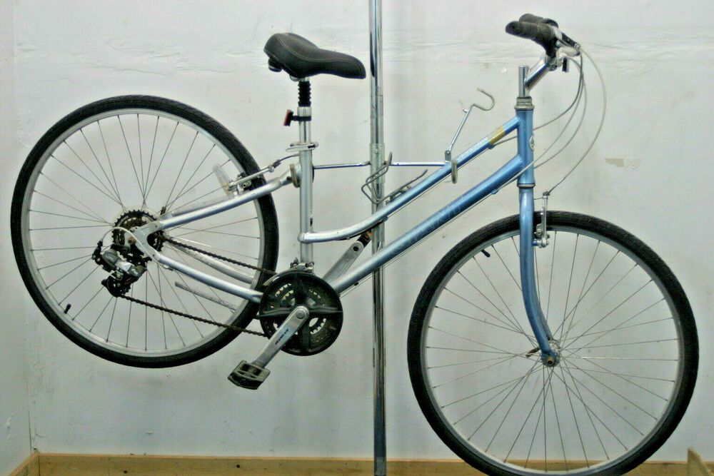 Giant Cypress St Hybrid Bike Womens Small Upright Comfort Bicycle 2005 Charity Giant Comfort Bicycle Hybrid Bike Bicycle