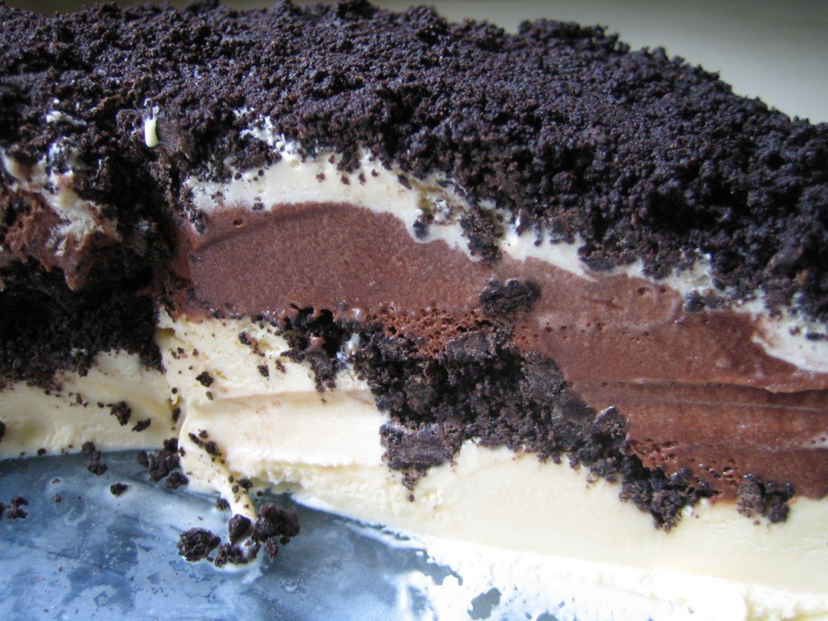 Dreaming of carvel ice cream cake pistachio dessert