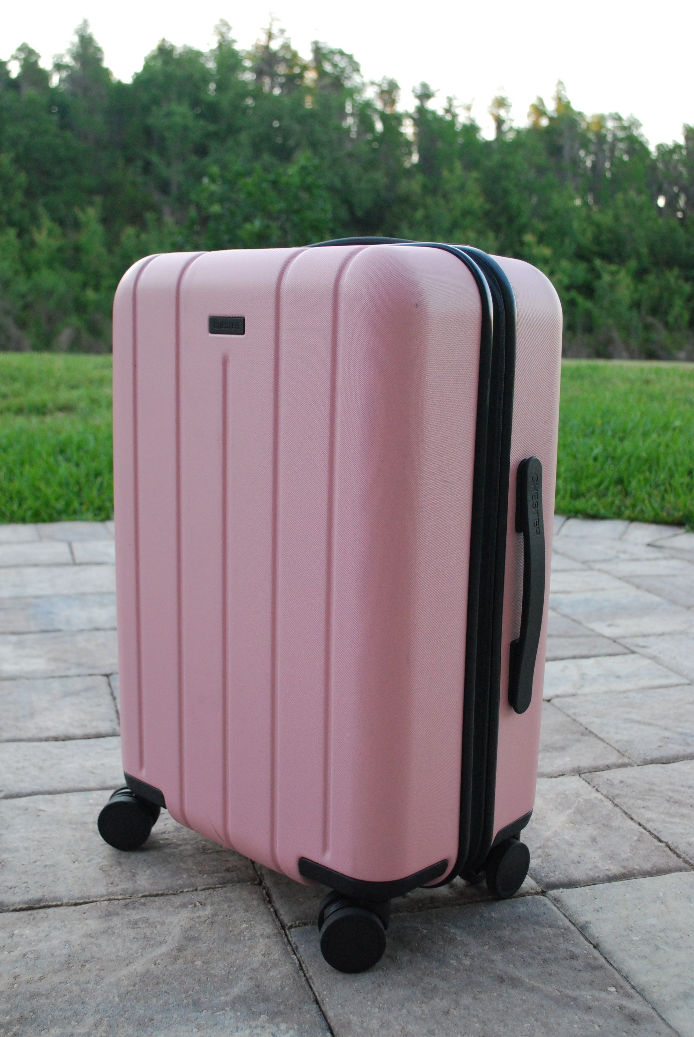 Repin and click to discover the IT luggage brand every traveller needs to know. The best suitcases for travellers. How to pick the best suitcase. #thebeautybackpacker #packingtips #bestsuitcase #traveltips