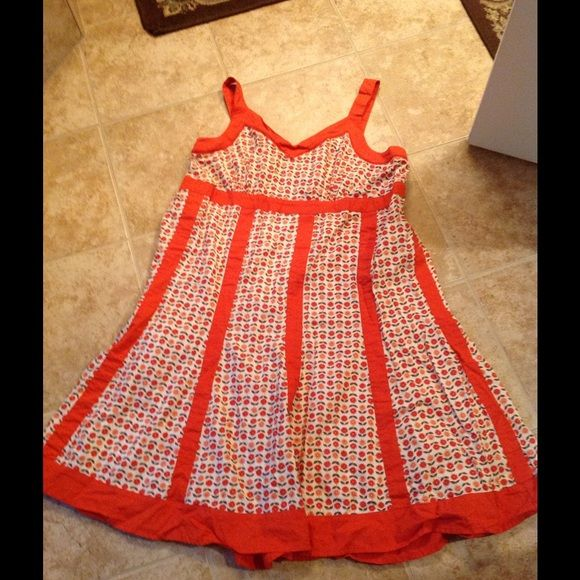 Sundress size 16W VGUC.  No stains or rips.  Fits true to size Dresses Midi