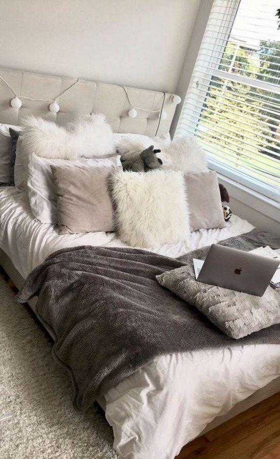 Unique Dorm Decor You Can Actually Afford – Society19