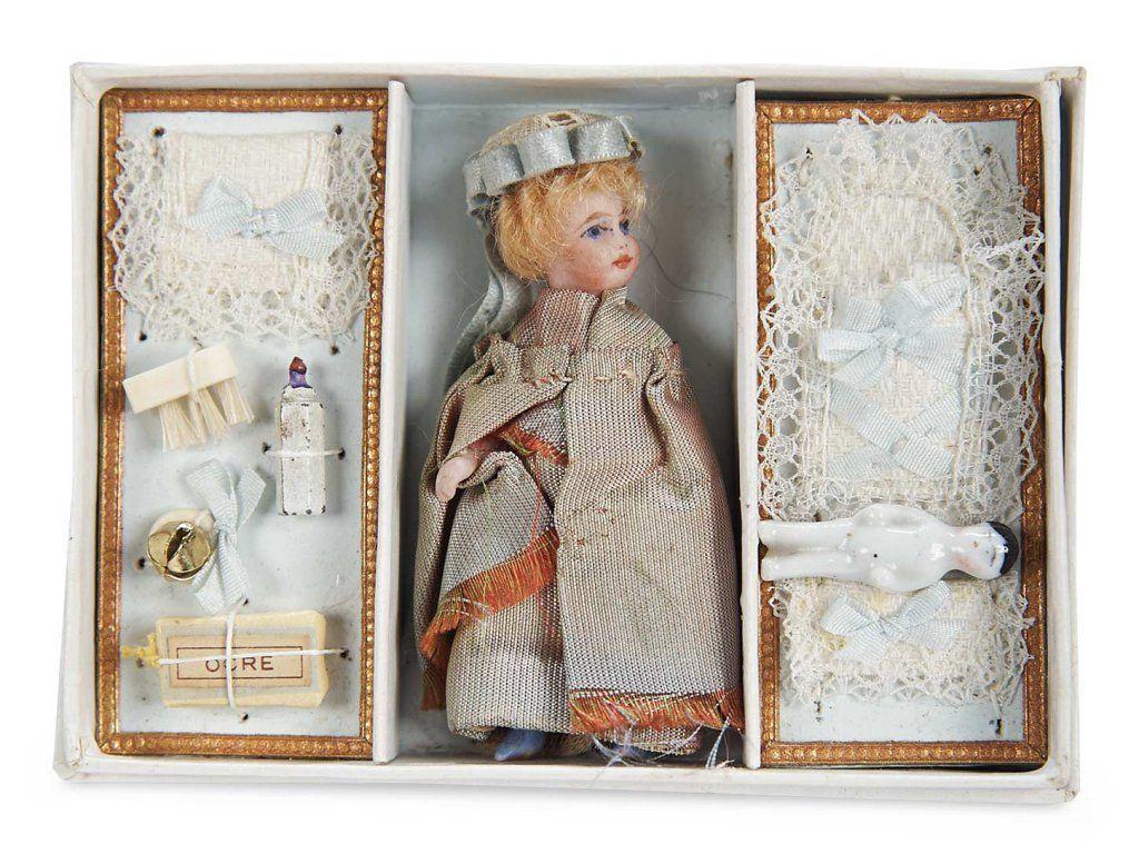 Lilliputian in presentation box