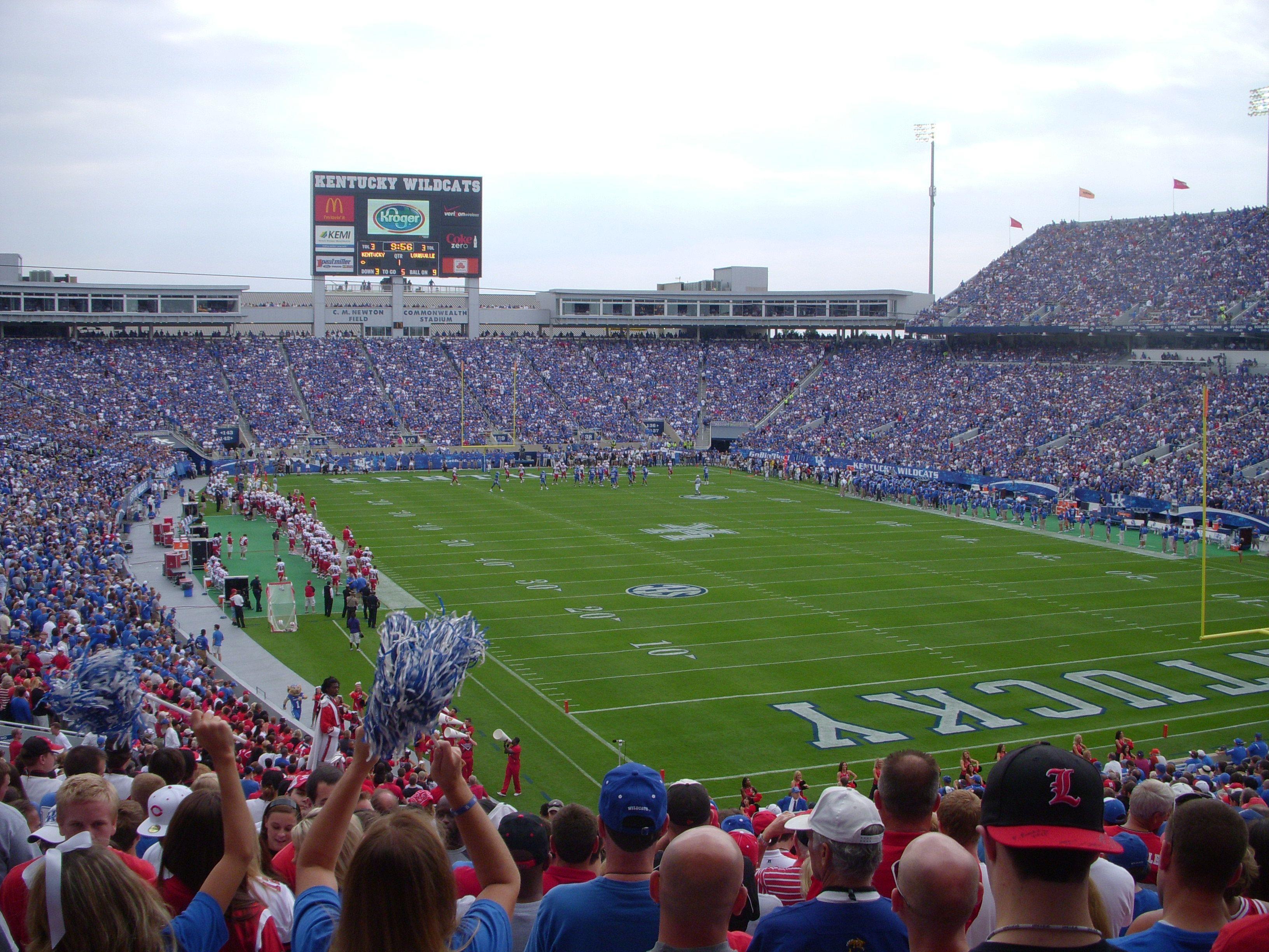 Commonwealth Stadium Football Stadiums University Of Kentucky Stadium