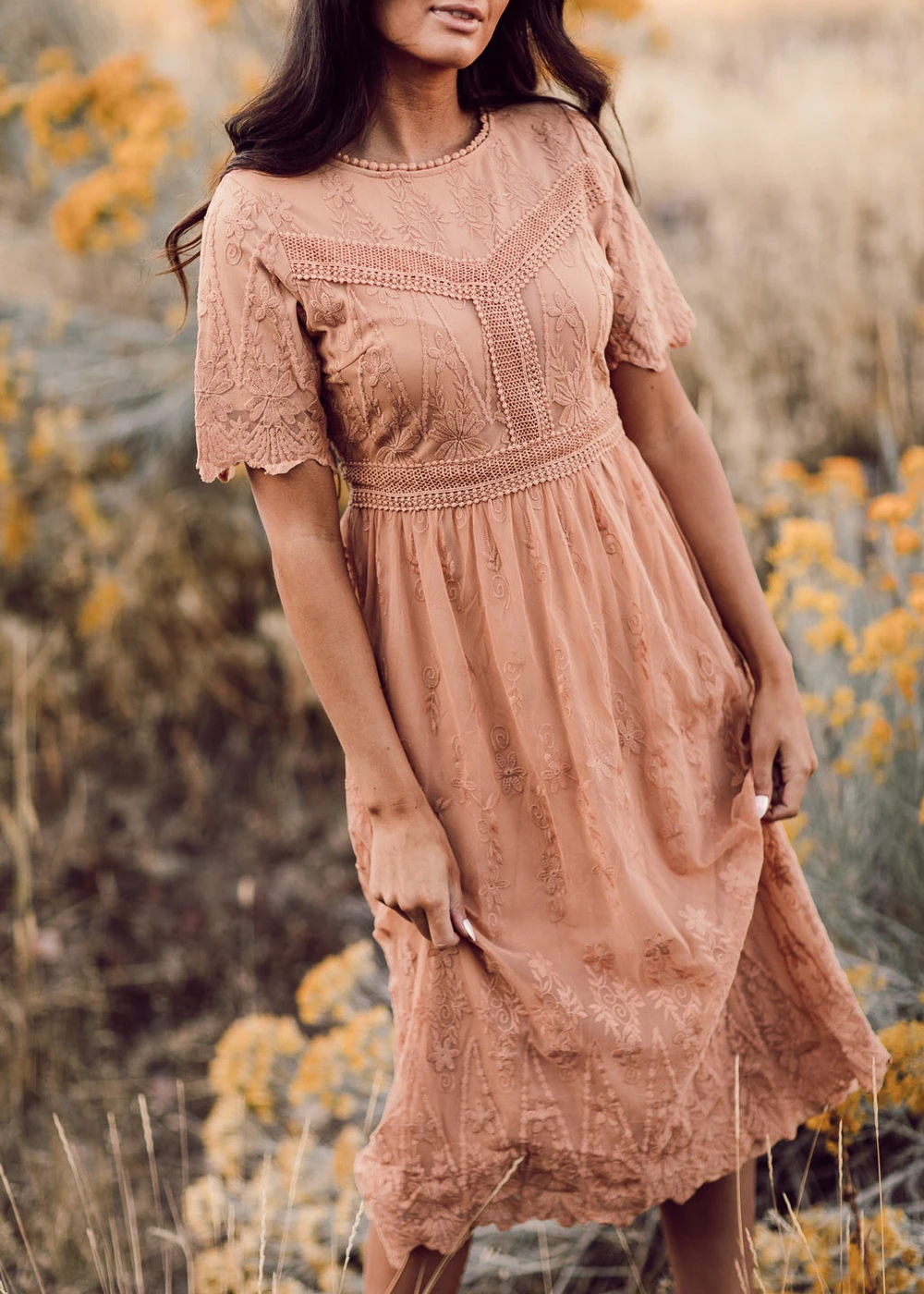 Let S Fall In Love The Mabel Lace Midi Dress Is All Romance Feel Swept Up In This Fully Lined Lace Detailed Ens Casual Dress Outfits Dresses Rose Maxi Dress