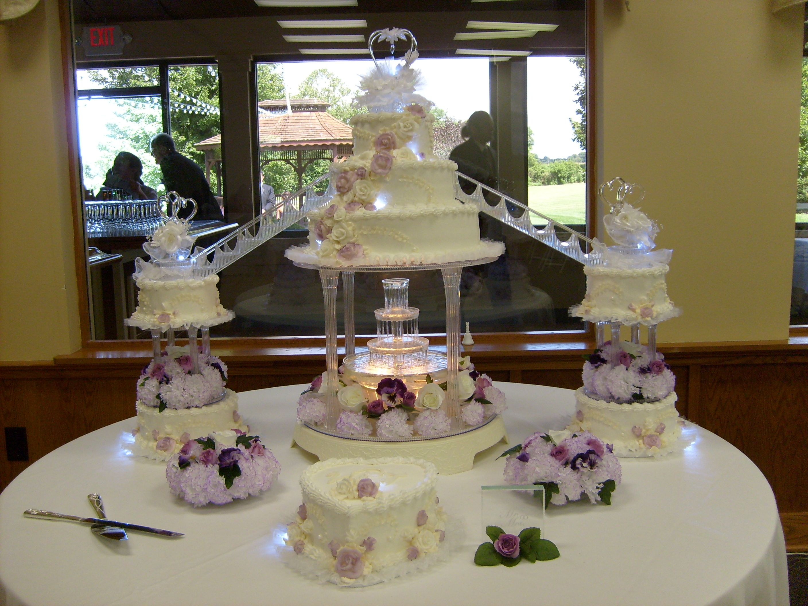 Large 8 Tier Wedding Cake With Fountain Stairs Lights