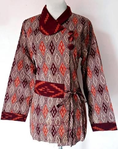 Casual 34 sleeve blazer made from batik tulis lasem Made by