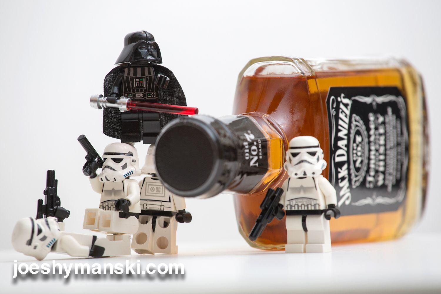 Its No Easy Feat Opening A Bottle Of Alcohol Star Wars