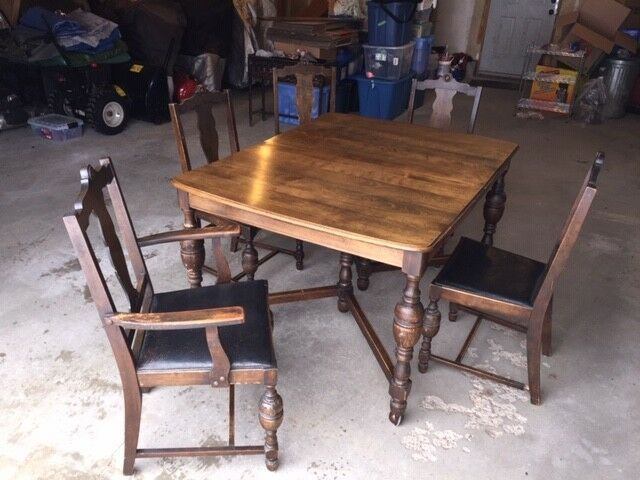 Antique Walnut Kitchen Table Chairs Dining Tables Sets Barrie Kijiji With Images Kitchen Table Chairs Dining Table Walnut Kitchen Table
