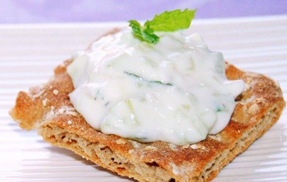 Salsa Tzatziki para untar (salsa de yogur y pepino)