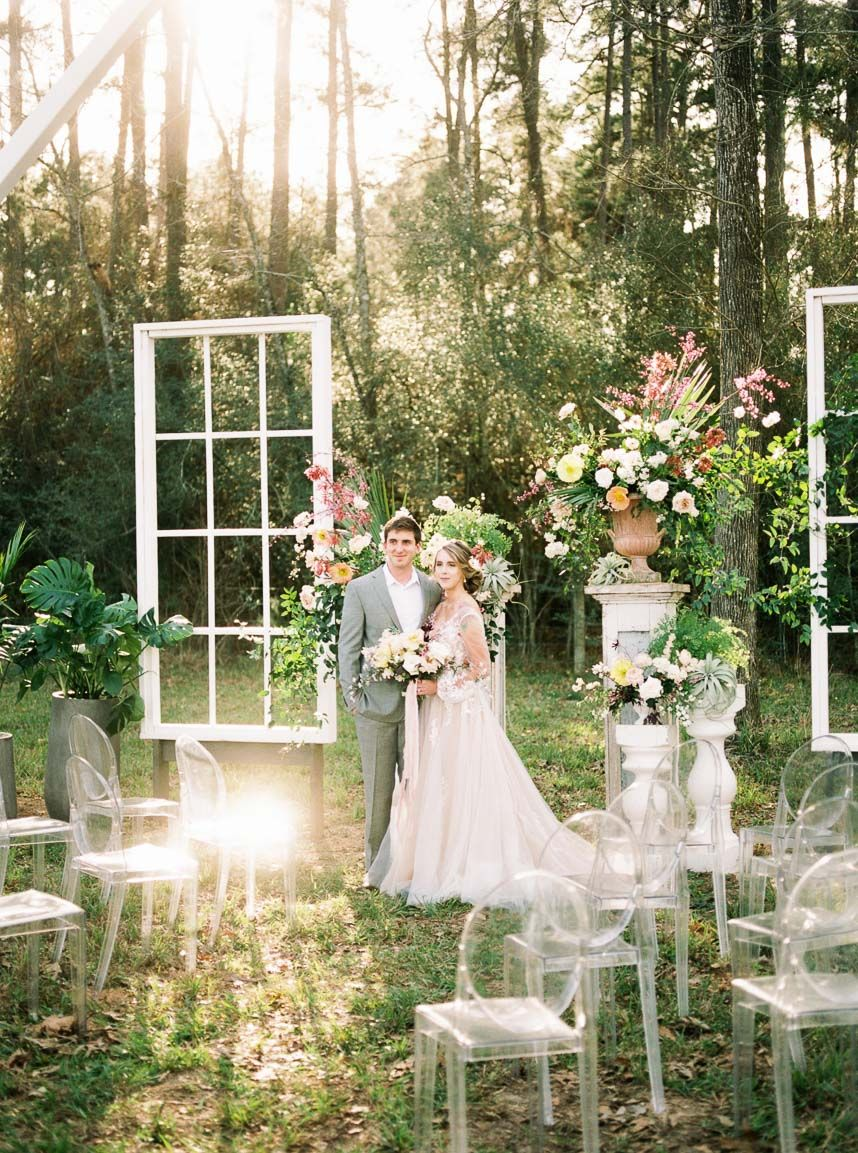 Modern Vintage Wedding Inspo From The Meekermark Brides Of Houston Modern Vintage Weddings Wedding Wedding Venue Houston